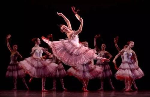 交响芭蕾与戏剧芭蕾有何区别